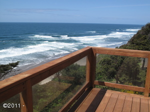 866 SW 8th St, Lincoln City, OR 97367 - Upper Deck
