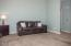 516 NW 56th St, Newport, OR 97365 - Living Room