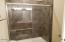 1275 SE 41st St, Lincoln City, OR 97367 - Example of Master shower