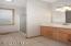 915 SW 50th St, Lincoln City, OR 97367 - Master Bath