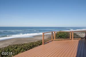 6355 Raymond Ave, Gleneden Beach, OR 97388 - Ocean Front Deck & View