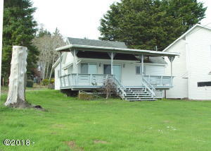 901 NE Lake Dr, Lincoln City, OR 97367 - House photo