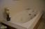 370 NE Williams Ave, Depoe Bay, OR 97341 - Guest Bath jetted tub