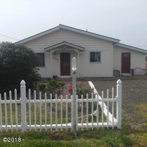 1710 NW Parker Ave, Waldport, OR 97394 - Front