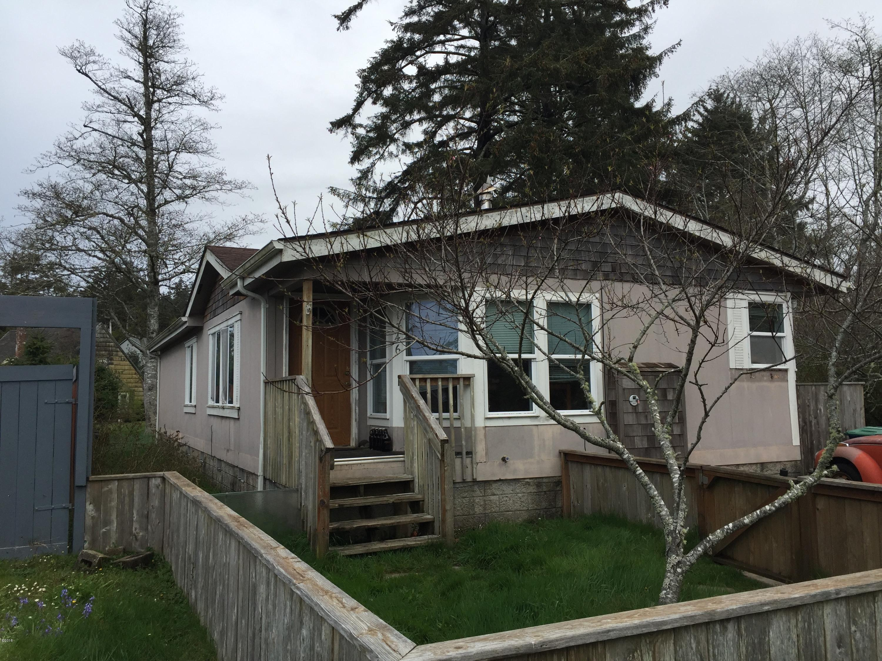 1346 SW 63rd St, Lincoln City, OR 97367 - Front view