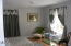 656 Cherry Ln, Toledo, OR 97391 - Bedroom