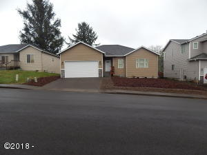 2530 NE 45th St, Lincoln City, OR 97367 - Front