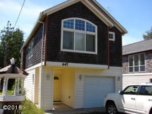 647 SE Neptune Ave, Lincoln City, OR 97367 - WELCOME HOME