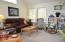 1130 NE Voyage Ave, Lincoln City, OR 97367 - Living room