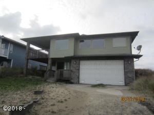 718 NW Oceania Dr, Waldport, OR 97394