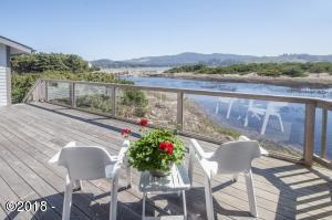 Has Siletz river and bay views too!