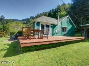 261 E Sjostrom Dr, Tidewater, OR 97390 - East side of house