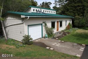 311 SE 35th St, South Beach, OR 97366 - Front