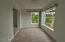 310 NE 32nd St, Newport, OR 97365 - Sun Room