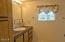 310 NE 32nd St, Newport, OR 97365 - Master Bath