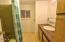 310 NE 32nd St, Newport, OR 97365 - Main Bath