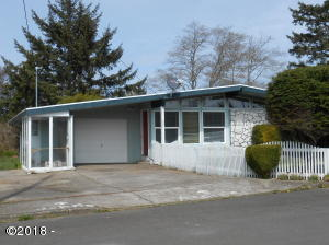 360 NE San-bay-o Cir, Newport, OR 97365 - DSCN7417