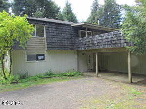 320 SE Evergreen Dr, Waldport, OR 97394 - Front of house