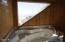 5817 NW Jetty Avenue, Lincoln City, OR 97367 - Bath Tub View