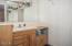 554 Fairway Dr., Gleneden Beach, OR 97388 - Cottage Bathroom