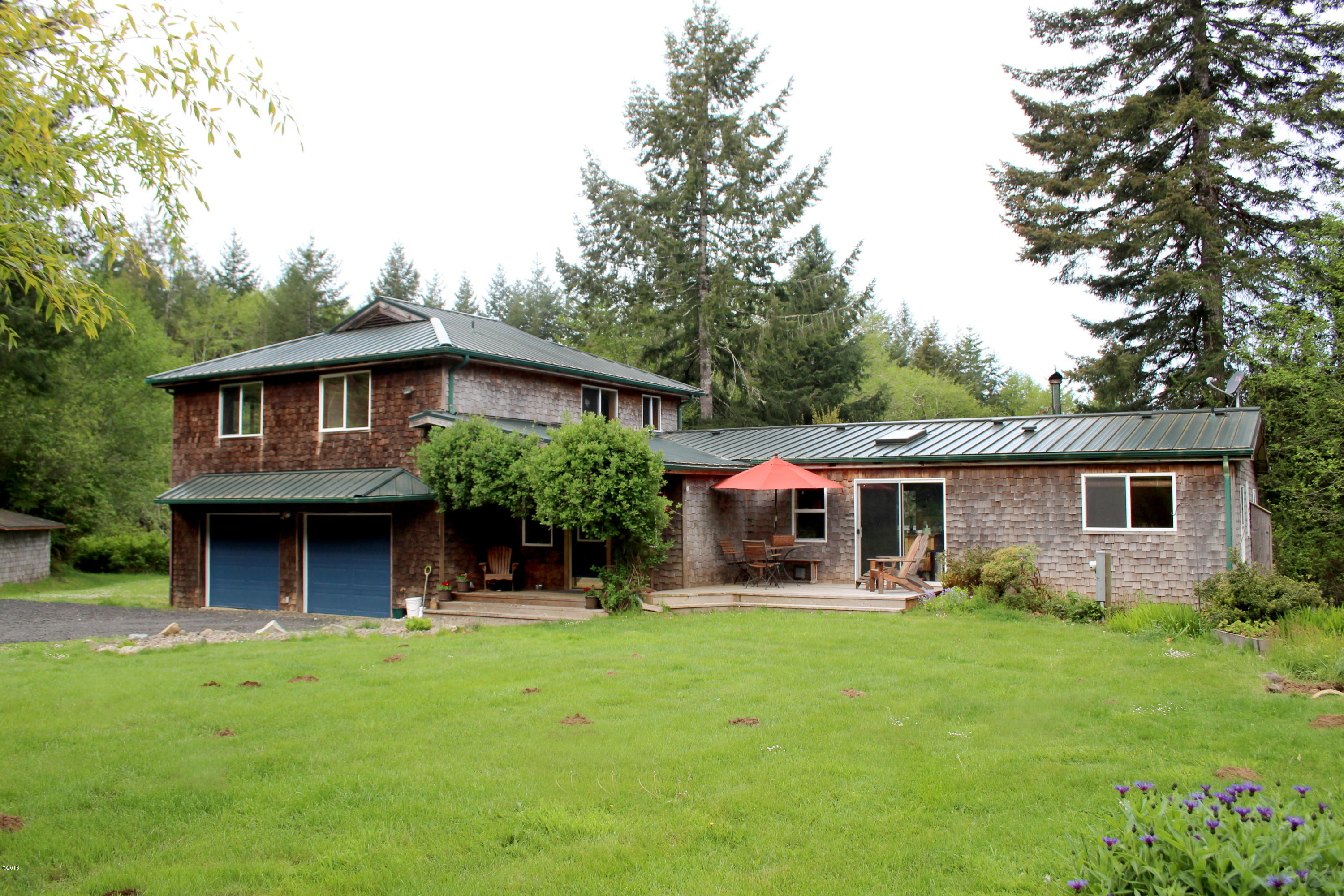 1266 N Yachats River Rd, Yachats, OR 97498 - The Home