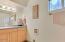 1622 N Nye St, Toledo, OR 97391 - bath room