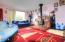 1038 NE Fogarty St, Newport, OR 97365 - Living Room