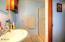 1038 NE Fogarty St, Newport, OR 97365 - Master Bathroom