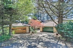 440 RADAR RD, Yachats, OR 97498