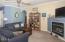 40 Evergreen Ct, Depoe Bay, OR 97341 - Living Room
