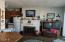4239 SW Highway 101, 3, Lincoln City, OR 97367 - Livingroom