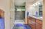 566 Fairway Dr, Gleneden Beach, OR 97388 - Loft Bathroom
