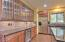 566 Fairway Dr, Gleneden Beach, OR 97388 - Fully Appointed Cabinets w/Wine Chiller