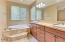 566 Fairway Dr, Gleneden Beach, OR 97388 - Master Ensuite