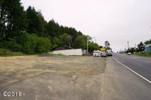 2273 SW Hwy 101, Lincoln City, OR 97367 - Highway Frontage View