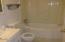 277 NE 10th St, Toledo, OR 97391 - Bathroom