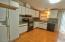 713 NE Cherry Ln, Toledo, OR 97391 - Kitchen