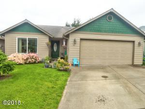 411 SE Neptune Ave, Lincoln City, OR 97367 - Front of home