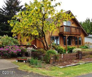 425 SW Green Dr, Waldport, OR 97394 - Main MLS photo