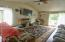 411 SE Neptune Ave, Lincoln City, OR 97367 - Living room