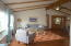 335 NW 60th St, Newport, OR 97365 - Great room
