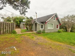 925 NE Commercial St, Waldport, OR 97394 - Front of House