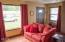 431 NE 10th Ct, Newport, OR 97365 - Living Room (2)