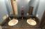 431 NE 10th Ct, Newport, OR 97365 - Main Level Bathroom