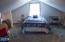 431 NE 10th Ct, Newport, OR 97365 - Private Wing Bedroom