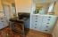 435 NW High St., Newport, OR 97365 - Kitchen