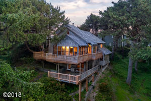 250 Salishan Dr, Gleneden Beach, OR 97388 - Unique Tree House
