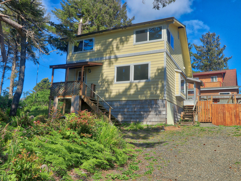 11412 NE Benton St, Newport, OR 97365 - Front of house