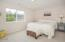 4627 SE Lee Ave, Lincoln City, OR 97367 - Bedroom