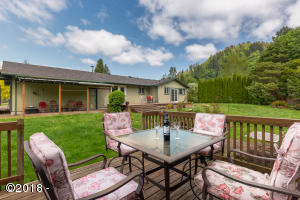 24590 River Bend Rd, Beaver, OR 97108 - Mountain view